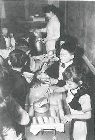戦後学校給食 パン