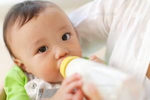 赤ちゃん哺乳
